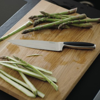 Fiskars_Royal_Cook_Knife_21cm_1016468_koksmes_couteau_de_cuisinier_Bohero.jpg