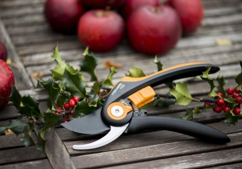 Bohero-Gardening-Tools-Fiskars-.png