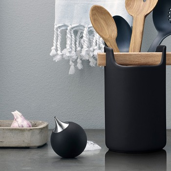 EVA-SOLO-Soap-Dispenser-Black-530672-Bohero.jpg