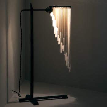Ann-Demeulemeester-LOU-Table-Lamp-B7219830-SERAX-1.png