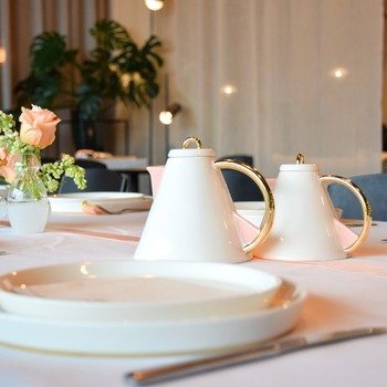 Roger-Van-Damme-Dsire-Serax-Gold-Pink-Teapot-Bohero-1d.jpg