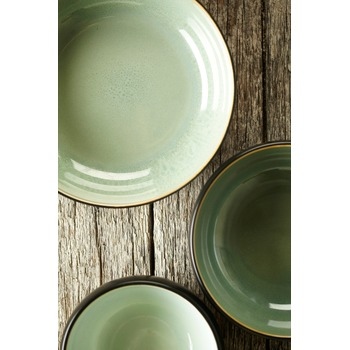 Pascale_Naessens_serving_dish_acqua_green_black_B1013053_Bohero_1.jpg