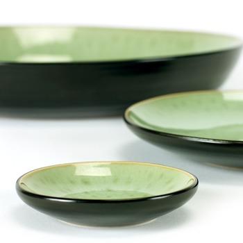Pascale_Naessens_plate_small_light_green_black_B1015226_SERAX.jpg