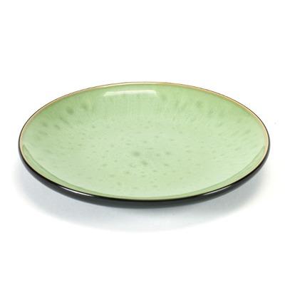 Pascale_Naessens_plate_medium_glazend_groen_ZWART_B1015225_SERAX.jpg